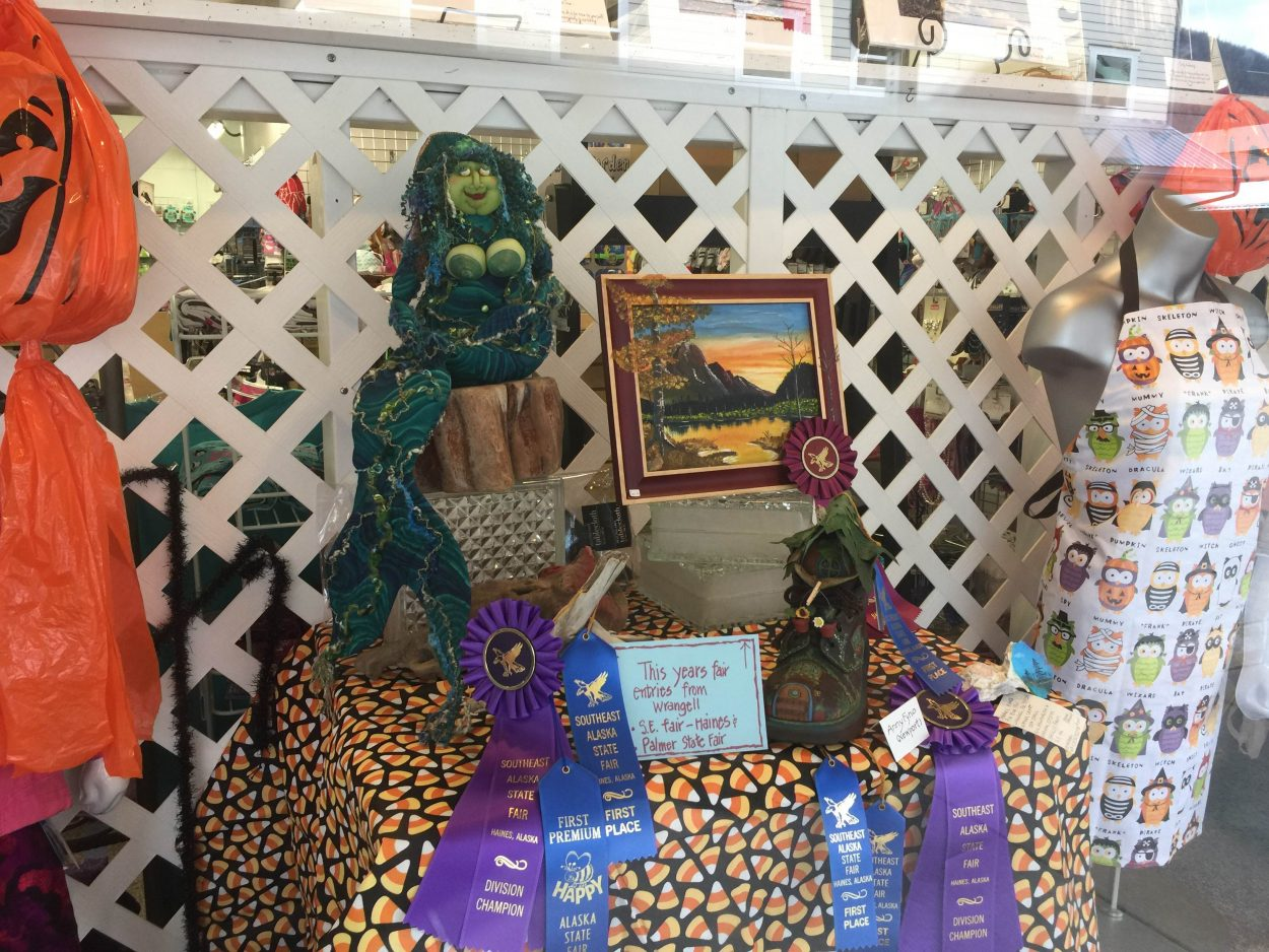 Terree Pino and Anny Newport's artwork on display at Angerman's (Aaron Bolton, KSTK News)