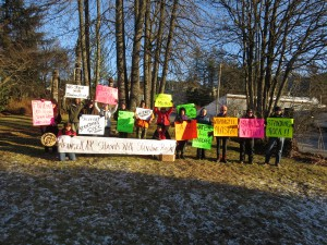 Wrangell residents protest Dakota Access oil pipeline at Kik-setti Totem Park (Aaron Bolton, KSTK News)
