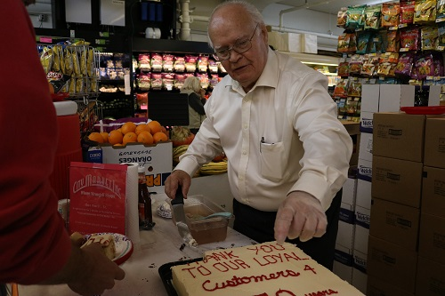 City Market and customers bid farewell to manager Chet Powell after 49 years