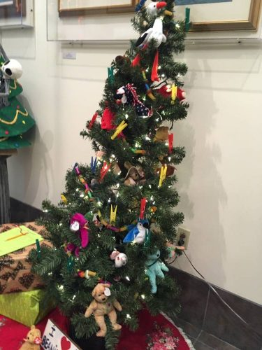Beanie Babies tree donated by Beta Sigma Phi. (June Leffler  KSTK) b5e7eb0522f1